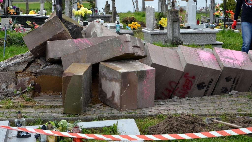 Tomasz Poręba: Jestem szczęśliwy. Pomnik UPA w Hruszowicach wreszcie zlikwidowany